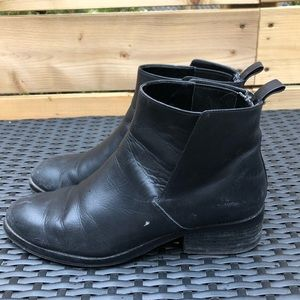 ⭐️ Cole Haan Black Leather Booties